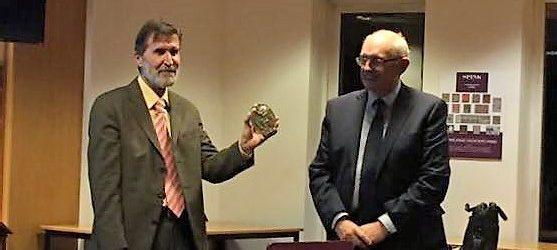 El Dr. Pere Pau Ripollés recibe la medalla de la Royal Numismatic Society